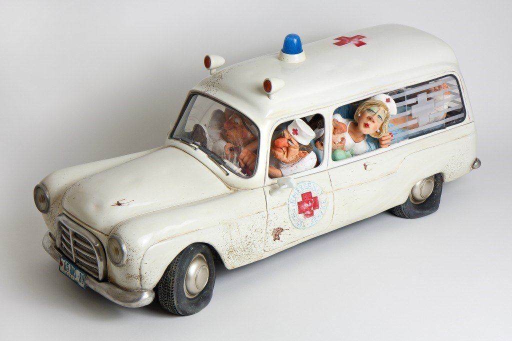 The Ambulance Figurine Comic Art of Guillermo Forchino 15 1/2 Inch Long