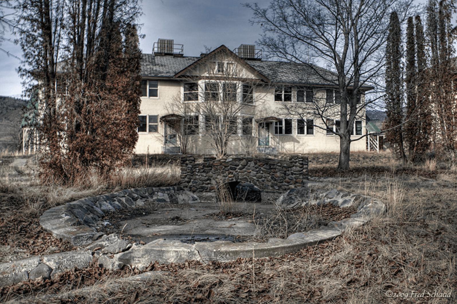 Tranquille Sanatorium, Canada (Sunken Garden)