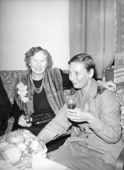 Bullwinkel and her mother at a reception held at the 115th Australian General Hospital in honour of a party of returned Australian Army Nursing sisters who had been POWs. Via awm.gov.au