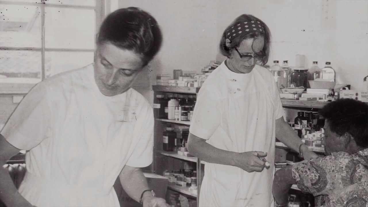 Nurses Marianne Stöger and Margaritha Pissarek