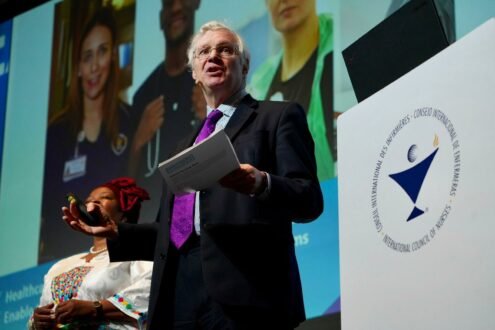 Lord Nigel Crisp announcing the launch of the Nightingale Challenge at the ICN Congress 2019. Image via: NursingNow.org